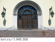 Купить «Церковь Святого Петра, портал», фото № 1949308, снято 23 июня 2009 г. (c) Морковкин Терентий / Фотобанк Лори