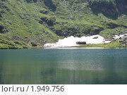 Озеро Мзы. Летний снег. Абхазия. Стоковое фото, фотограф Дмитрий К / Фотобанк Лори