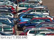 Автомобили на парковке (2009 год). Редакционное фото, фотограф Антон Балаж / Фотобанк Лори