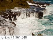 Неспокойный Атлантический океан у берега тропического острова. Стоковое фото, фотограф Ирина Кожемякина / Фотобанк Лори