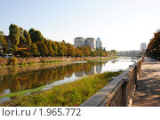 Купить «Золотая осень на набережной реки Сочи», фото № 1965772, снято 9 сентября 2010 г. (c) Анна Мартынова / Фотобанк Лори