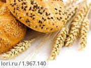 Купить «Пшеница и хлеб», фото № 1967140, снято 25 июля 2009 г. (c) Наталия Кленова / Фотобанк Лори