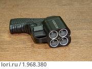 """Травматический пистолет """"Оса"""" (2010 год). Редакционное фото, фотограф Сергей Лукин / Фотобанк Лори"""