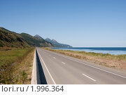 Купить «Автодорога вдоль побережья. Сахалин», фото № 1996364, снято 14 сентября 2010 г. (c) Пьянков Александр / Фотобанк Лори