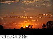 Закат. Стоковое фото, фотограф Евгений Безгодов / Фотобанк Лори