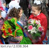 Купить «Первоклассники с цветами первого сентября», фото № 2038364, снято 1 сентября 2010 г. (c) Вячеслав Палес / Фотобанк Лори