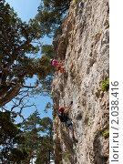 Купить «Скалолазы и горы», фото № 2038416, снято 14 августа 2010 г. (c) Игорь Р / Фотобанк Лори