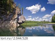 Купить «Скалы по берегам реки Унья-притока реки Печоры», фото № 2044528, снято 3 августа 2010 г. (c) Егор Никифоров / Фотобанк Лори