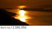 Закат на Волге. Стоковое фото, фотограф Виктор Березин / Фотобанк Лори