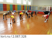 Урок физкультуры в школе (2010 год). Редакционное фото, фотограф Вячеслав Палес / Фотобанк Лори