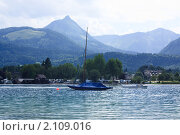 Яхта на озере Вольфгангзее. Санкт-Вольфганг. Австрия (2010 год). Стоковое фото, фотограф Валерий Степанов / Фотобанк Лори
