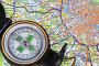 Карта и компас, эксклюзивное фото № 2119544, снято 6 ноября 2010 г. (c) Юрий Морозов / Фотобанк Лори