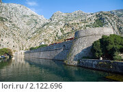 Купить «Городская стена города Котор, Черногория», эксклюзивное фото № 2122696, снято 15 сентября 2010 г. (c) Константин Косов / Фотобанк Лори
