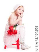 Купить «Девочка с букетом тюльпанов», фото № 2134952, снято 3 мая 2010 г. (c) Майя Крученкова / Фотобанк Лори