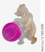 Елочная игрушка. Медведь с мячом. Стоковое фото, фотограф Dmitry Lameko / Фотобанк Лори