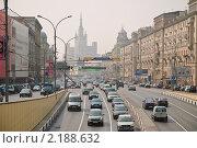 Купить «Садовое кольцо. Город Москва», эксклюзивное фото № 2188632, снято 18 августа 2010 г. (c) Алёшина Оксана / Фотобанк Лори