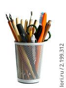 Купить «Стакан с принадлежностями для каллиграфии», фото № 2199312, снято 12 марта 2009 г. (c) Сергей Амиантов / Фотобанк Лори