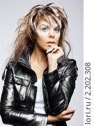 Купить «Женщина с необычным макияжем», фото № 2202308, снято 29 июля 2010 г. (c) Serg Zastavkin / Фотобанк Лори