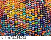 """Купить «Инсталляция """"Сфера добра и возрождения"""", сделанная из раскрашенных пасхальных яичек, фрагмент, Киево-Печерская лавра», фото № 2214052, снято 3 апреля 2010 г. (c) ИВА Афонская / Фотобанк Лори"""