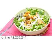 Салат из куриных грудок с зеленью. Стоковое фото, фотограф Макарова Елена / Фотобанк Лори