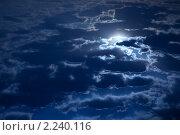 Купить «Полная луна в ночном небе, освещающая облака», фото № 2240116, снято 30 апреля 2009 г. (c) Андрей Лавренов / Фотобанк Лори