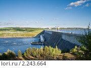 Купить «Усть-Илимская ГЭС», фото № 2243664, снято 17 ноября 2018 г. (c) Швайгерт Екатерина / Фотобанк Лори