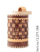 Купить «Берестяной туесок с крышкой», фото № 2271184, снято 11 января 2011 г. (c) Наталья Евстигнеева / Фотобанк Лори