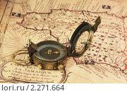 Купить «Пиратская карта Ямайки. Старинный компас.», фото № 2271664, снято 9 января 2011 г. (c) Юрий Кирсанов / Фотобанк Лори