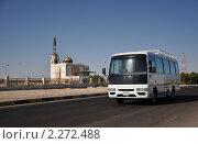 Купить «Автобус в Египте», фото № 2272488, снято 26 декабря 2010 г. (c) Голованов Сергей / Фотобанк Лори