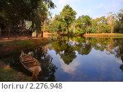 Купить «Джунгли у стен древнего кхмерского храма, национальный парк Koh Kher, Камбоджа», фото № 2276948, снято 13 декабря 2010 г. (c) Николай Винокуров / Фотобанк Лори