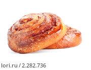 Две сладкие плюшки с корицей. Стоковое фото, фотограф Петр Малышев / Фотобанк Лори