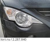 Фара корейского автомобиля. Стоковое фото, фотограф Крутиков Сергей / Фотобанк Лори