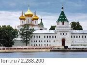 Купить «Ипатьевский монастырь на берегу реки Костромы», фото № 2288200, снято 21 июня 2008 г. (c) Михаил Марковский / Фотобанк Лори