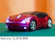Купить «Компьютерная мышь в форме автомобиля», фото № 2314904, снято 22 марта 2010 г. (c) Losevsky Pavel / Фотобанк Лори