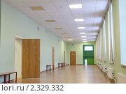 Пустой школьный коридор во время эпидемии гриппа. Стоковое фото, фотограф Михаил Иванов / Фотобанк Лори
