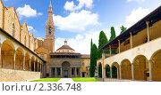 Купить «Внутренний дворик собора Санта-Кроче,  Флоренция. Италия», фото № 2336748, снято 23 августа 2010 г. (c) Vitas / Фотобанк Лори
