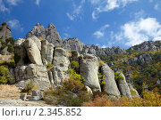 Купить «Гора Демерджи, долина Привидений. Крым», фото № 2345852, снято 24 сентября 2010 г. (c) Олег Титов / Фотобанк Лори