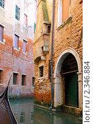 Купить «Венеция. Небольшие улочки. Италия», фото № 2346884, снято 23 августа 2010 г. (c) Vitas / Фотобанк Лори