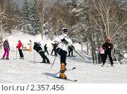 Купить «Зимний воскресный отдых в горах Сахалина», фото № 2357456, снято 20 февраля 2011 г. (c) RedTC / Фотобанк Лори