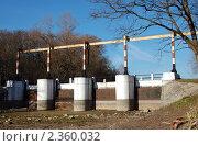 Купить «Мост», фото № 2360032, снято 14 ноября 2010 г. (c) Елена Гордеева / Фотобанк Лори