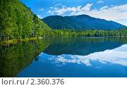Купить «Горное озеро», фото № 2360376, снято 26 августа 2007 г. (c) Тарханов Николай Алексеевич / Фотобанк Лори