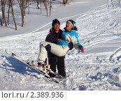 Купить «Влюбленные горнолыжники», фото № 2389936, снято 6 марта 2011 г. (c) Троицкая Алиса / Фотобанк Лори