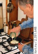 Купить «Блинчик с припеком», эксклюзивное фото № 2391648, снято 7 марта 2011 г. (c) Короленко Елена / Фотобанк Лори