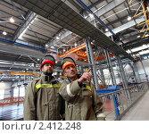 Купить «Рабочие на заводе», фото № 2412248, снято 10 марта 2011 г. (c) Виктор Филиппович Погонцев / Фотобанк Лори