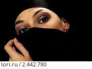 Купить «Восточная женщина в черном платке», фото № 2442780, снято 28 марта 2011 г. (c) Константин Юганов / Фотобанк Лори