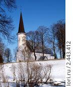 Церковь на берегу реки (2011 год). Стоковое фото, фотограф Andrei Prokofjev / Фотобанк Лори