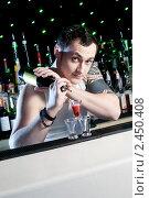 Бармен (2010 год). Редакционное фото, фотограф Анисимов Леонид / Фотобанк Лори
