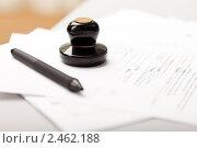 Купить «Ручка и печать организации или предприятия на деловых документах», фото № 2462188, снято 22 марта 2011 г. (c) Илья Андриянов / Фотобанк Лори