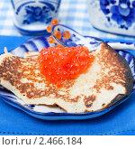 Купить «Русская закуска - блины с икрой», фото № 2466184, снято 29 марта 2011 г. (c) ElenArt / Фотобанк Лори