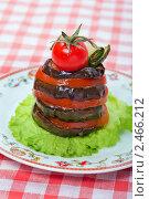 Купить «Праздничная закуска из баклажана», фото № 2466212, снято 6 апреля 2011 г. (c) ElenArt / Фотобанк Лори